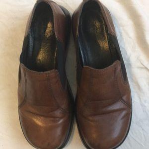 COPY - Brown/black dansko clogs. Size 38